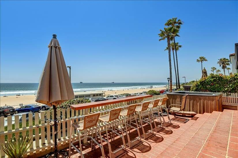 Furnished Beachside Rental at The Strand