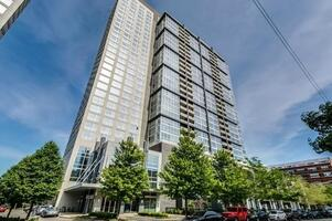 Furnished Lakefront Condo-South Loop