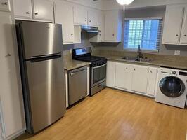 1 Bedroom Apartment in Belmont Heights!