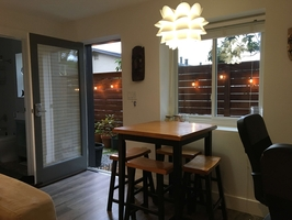 Private entrance and Dining area