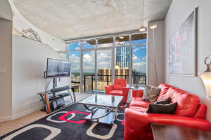 Spire 1 Bed plus Office on 28th Floor