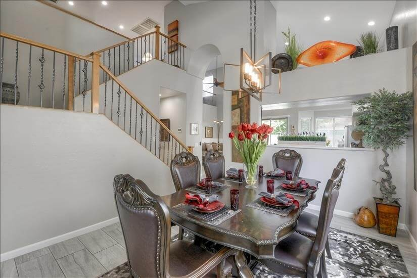 Glendale furnished home with amazing pool