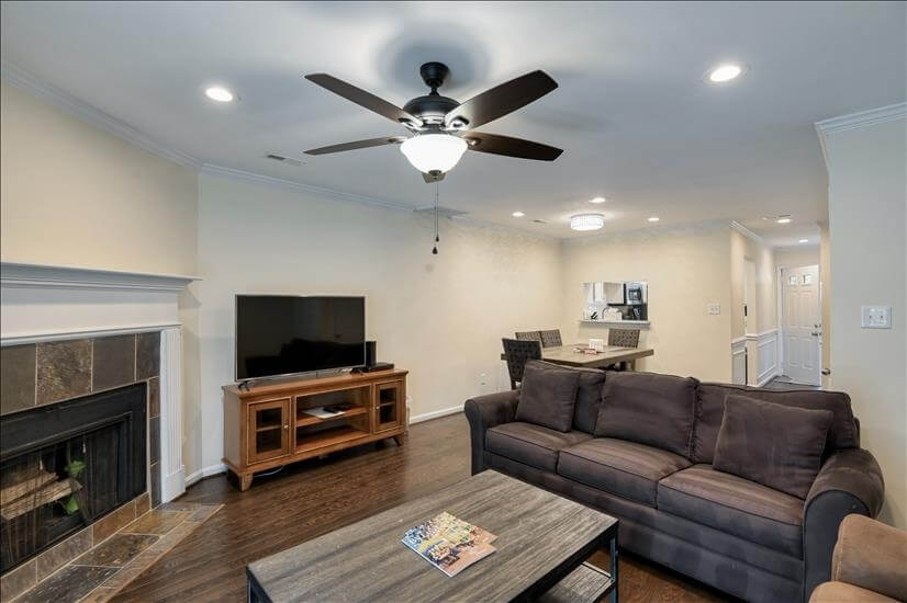 Completely Remodeled Corporate Apartment