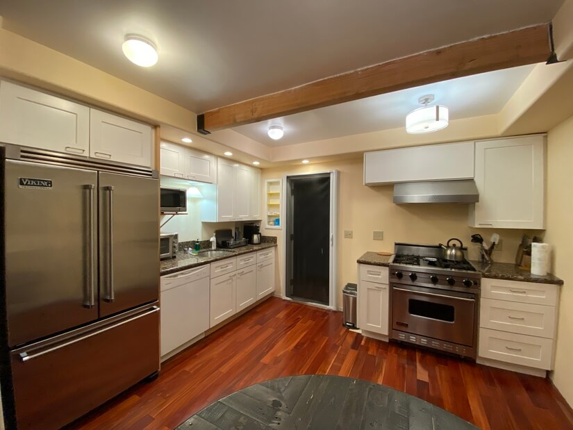 Open concept kitchen, recently remodeled