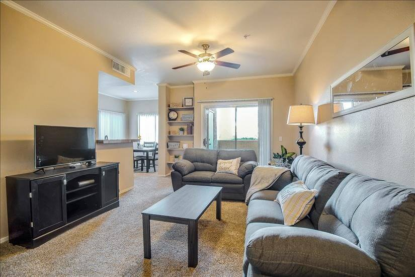 Tucson Furnished Rental with Pool