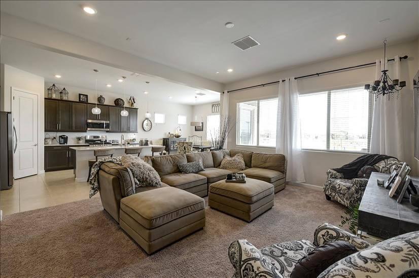 Fully Furnished 3- Bedroom Buckeye Home