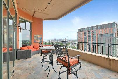 Fully Furnished 15th floor Uptown